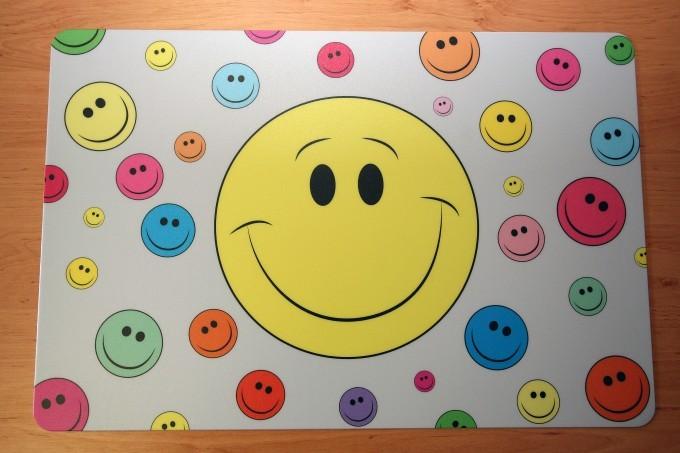Schreibtischunterlage smiley gross mit kleinen bunten smileys 40 x 60