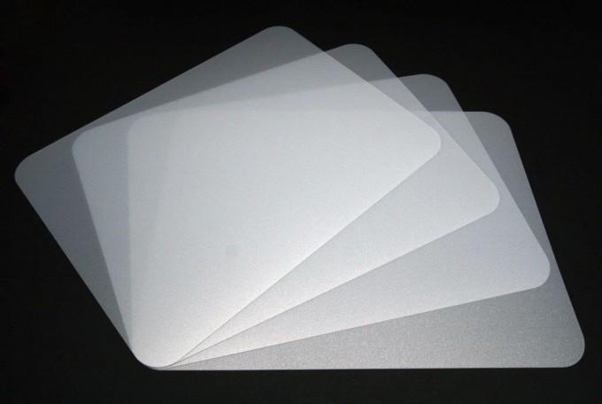 tischunterlagen set stardust silber grau leicht glitzernd transparent 4 teilig abwaschbar. Black Bedroom Furniture Sets. Home Design Ideas